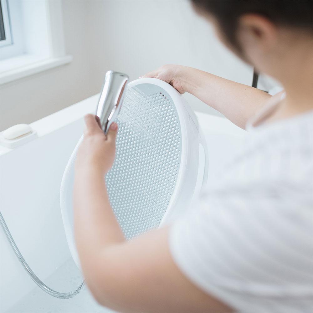 transat de bain b b blanc gris de angelcare sur allob b. Black Bedroom Furniture Sets. Home Design Ideas