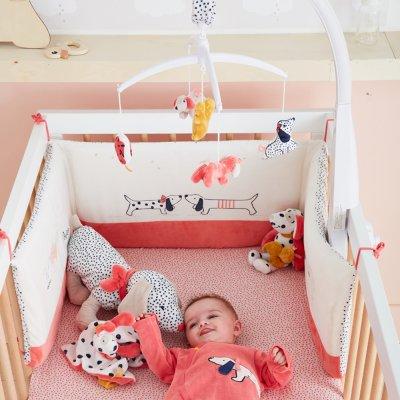 Mobile bébé musical amy et zoé Noukies