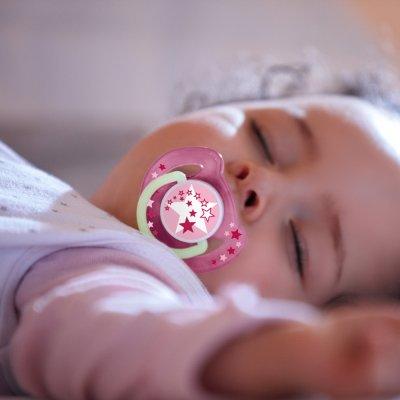 Lot de 2 sucettes nuit silicone rose 0-6 mois Avent-philips