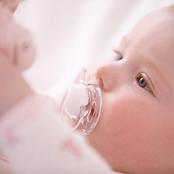 Lot de 2 sucettes bébé silicone aerées rose/blanc 0-6 mois Avent-philips