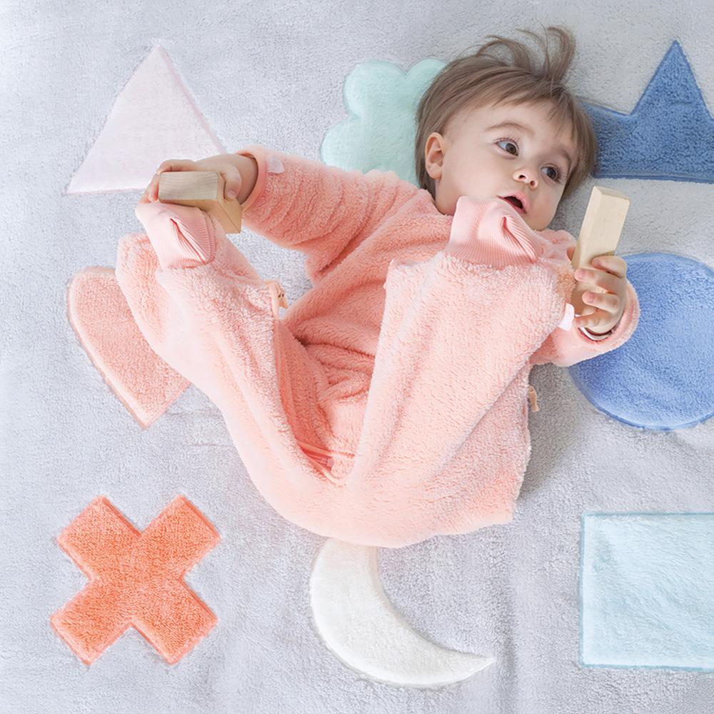 tapis de parc b b 75x95cm softy pixar plum de bemini sur allob b. Black Bedroom Furniture Sets. Home Design Ideas