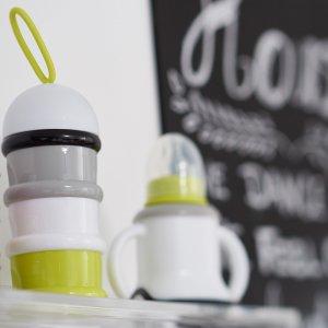 Beaba Boîte doseuse de lait empilable neon
