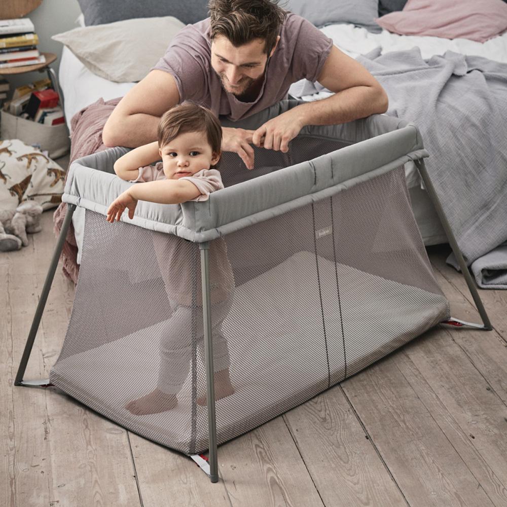 lit parapluie easy go de babybjorn au meilleur prix sur allob b. Black Bedroom Furniture Sets. Home Design Ideas