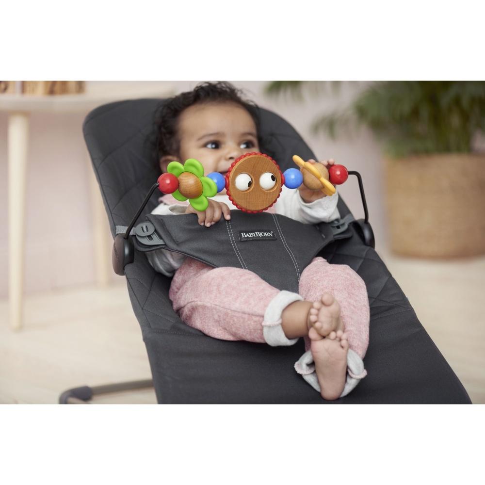 jouet en bois b b pour transat babybj rn de babybjorn chez naturab b. Black Bedroom Furniture Sets. Home Design Ideas