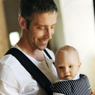 Porte bébé ventral original classic noir/rayures blanches Babybjorn