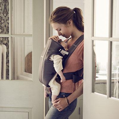 Porte bébé ventral original gris foncé et gris Babybjorn