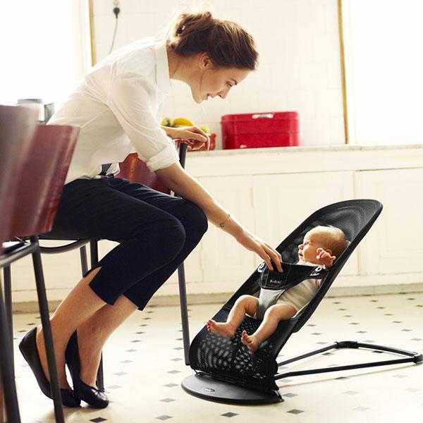 Transat bébé balance soft maille filet 3d noir gris Babybjorn