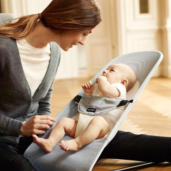 Transat bébé balance soft maille filet 3d argent/blanc Babybjorn