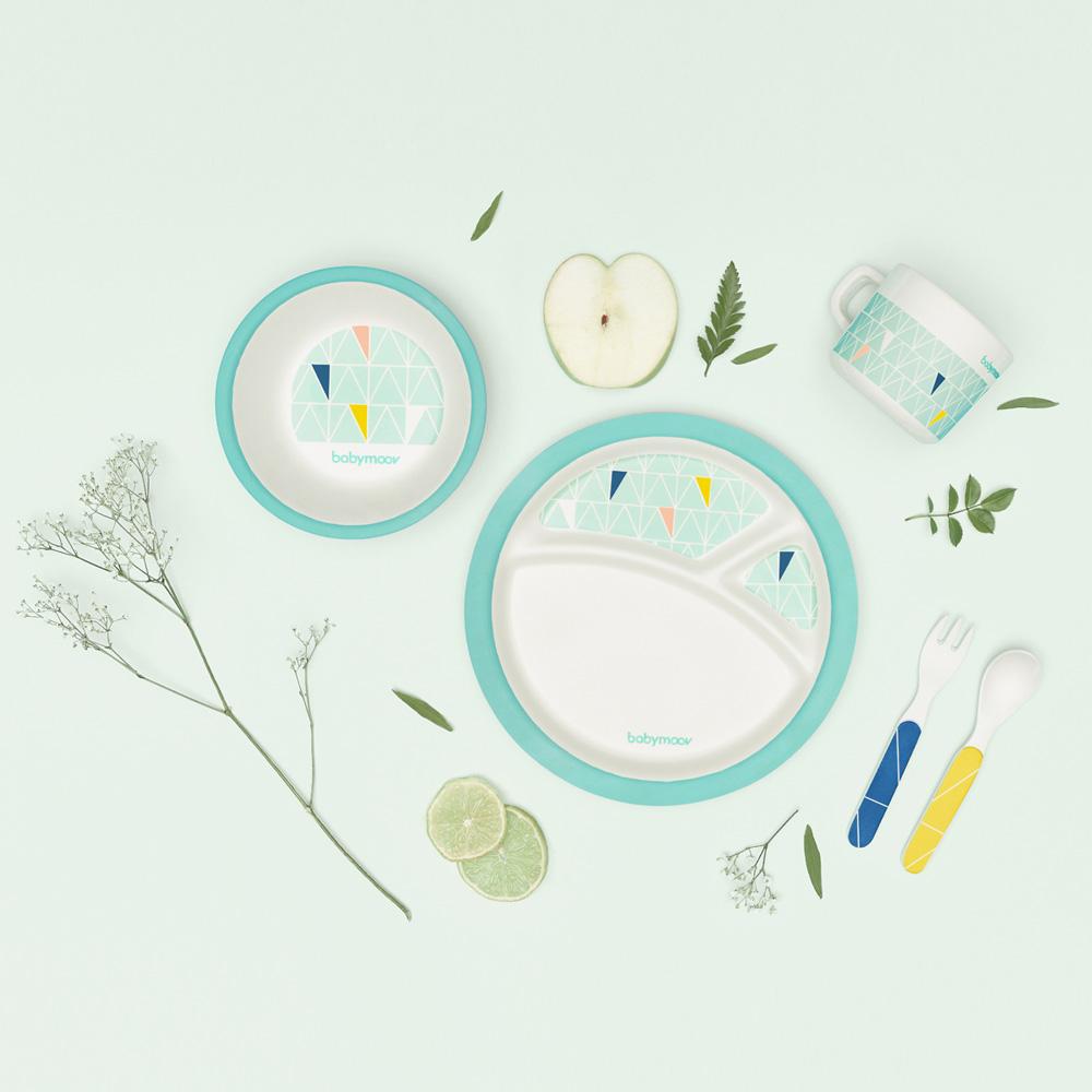 coffret vaisselle bambou azur de babymoov chez naturab b. Black Bedroom Furniture Sets. Home Design Ideas
