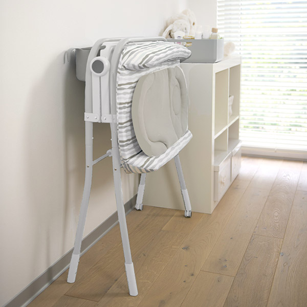 Table à langer avec la baignoire cuddle & bubble comfort silver Chicco
