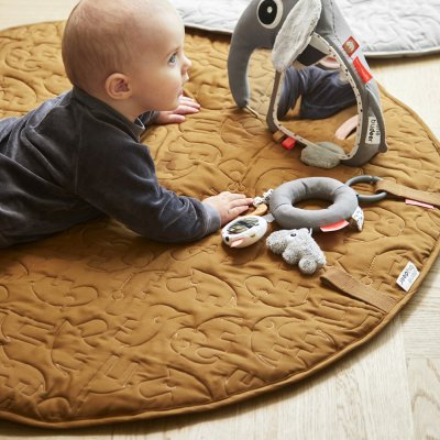 Tapis de jeu sleepy friends mustard Done by deer