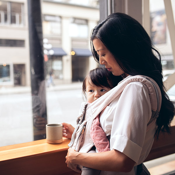 Porte bébé physiologique organic rosace Ergobaby
