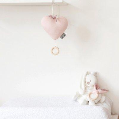 Jouet d'éveil bébé coeur musical pure rose Nattou