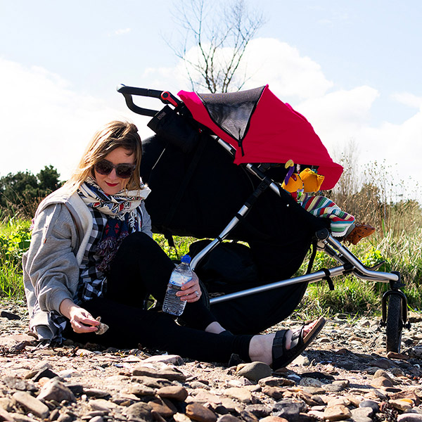 Poussette double plus one incluant le second siège rouge Mountain buggy