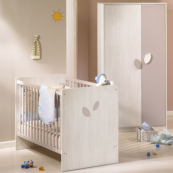Chambre compl te for Chambre bebe taupe et rouge