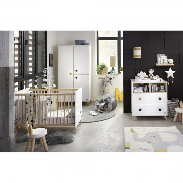 chambre b b trio lit commode armoire oslo bouton. Black Bedroom Furniture Sets. Home Design Ideas