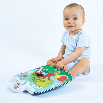 Jouet de lit bébé tableau d'activités et veilleuse 3 en 1 Tiny love