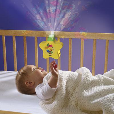 Veilleuse bébé étoile enchantée jaune Tomy