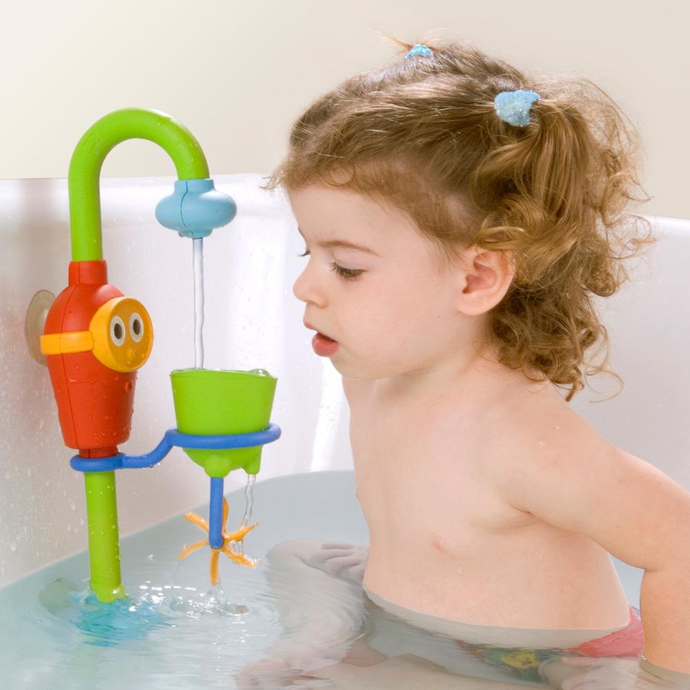 jouets de bain b b la douche en d lire de yookidoo chez naturab b. Black Bedroom Furniture Sets. Home Design Ideas