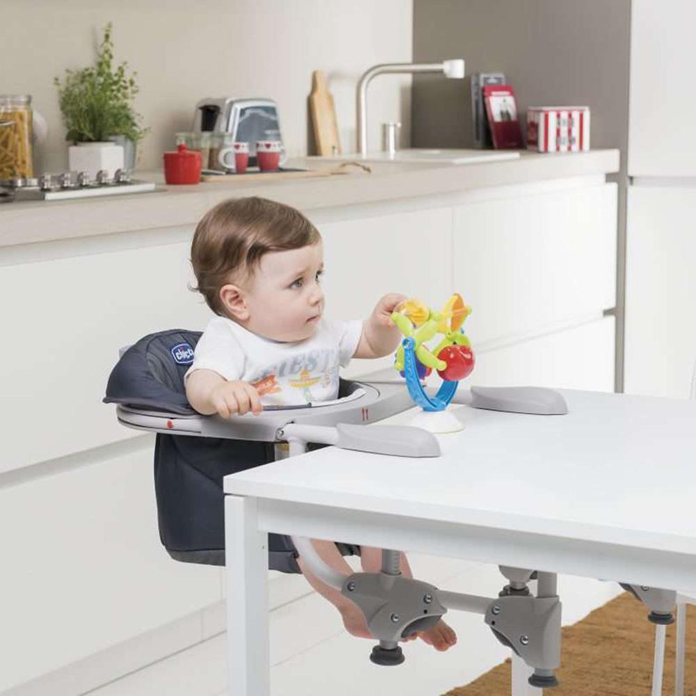 si ge de table 360 red de chicco en vente chez cdm. Black Bedroom Furniture Sets. Home Design Ideas